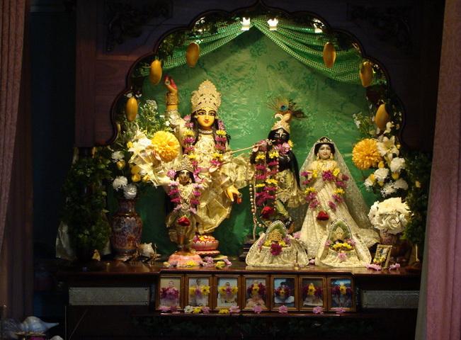 All Glories to Sri Sri Guru Gauranga Radha Shyamasundar<br />  - The Deities of the London Sri Chaitanya Saraswat Math-<br /> to whom this service is offered.