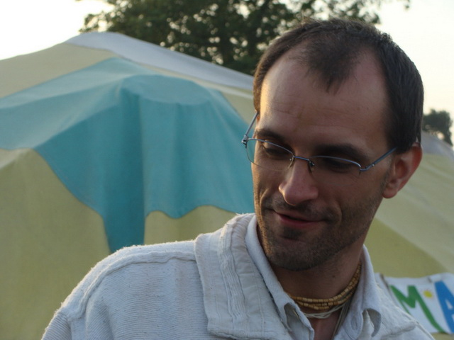 Giridhari Prabhu from Hungary is the Thai Massage expert.